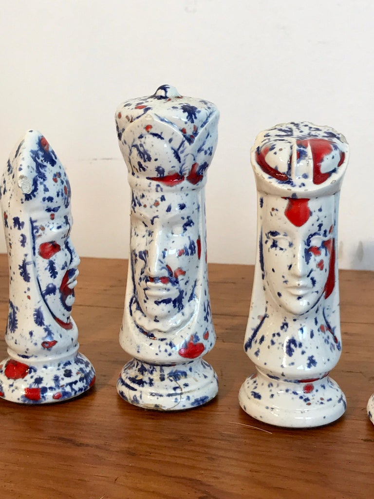 1970s Psychedelic Studio Pottery Chess Set In Good Condition For Sale In West Palm Beach, FL