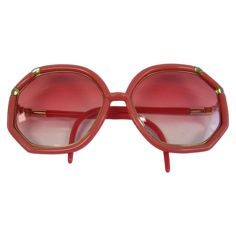 1970s Red and Gold Sunglasses with Rose Gradient Lenses For Sale