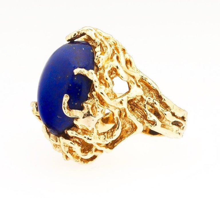 Women's or Men's 1970s Retro 14 Karat Gold Lapis Lazuli Freeform Naturalistic Cocktail Ring For Sale