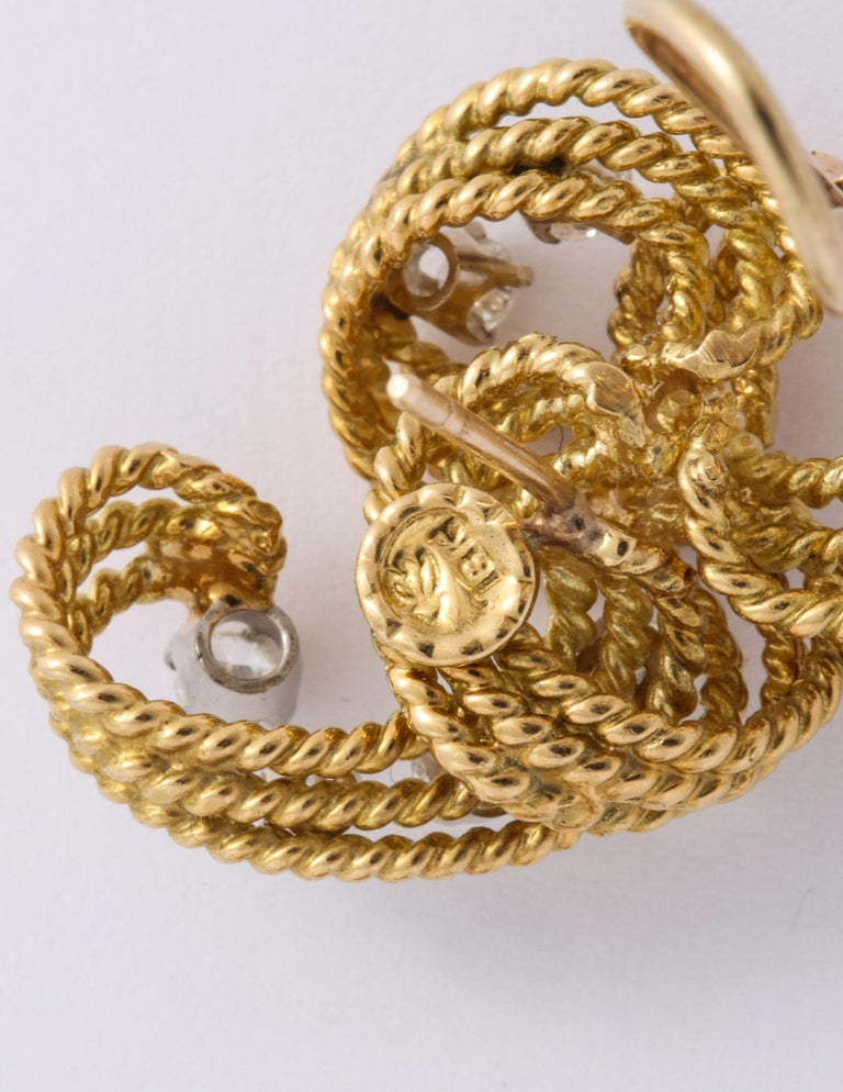 1970s Retro Twisted Wire 18 Karat Gold Diamond Cuff Necklace and Earring Set For Sale 7