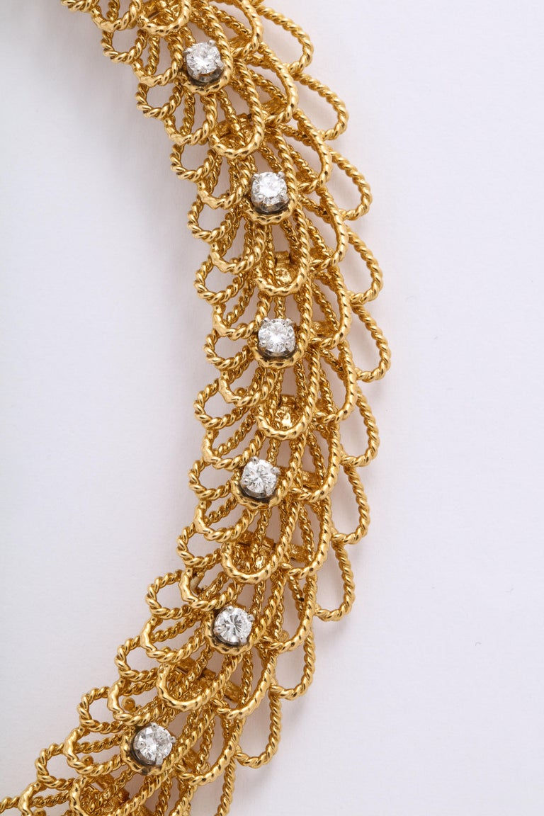 1970s Retro Twisted Wire 18 Karat Gold Diamond Cuff Necklace and Earring Set In Good Condition For Sale In New York, NY