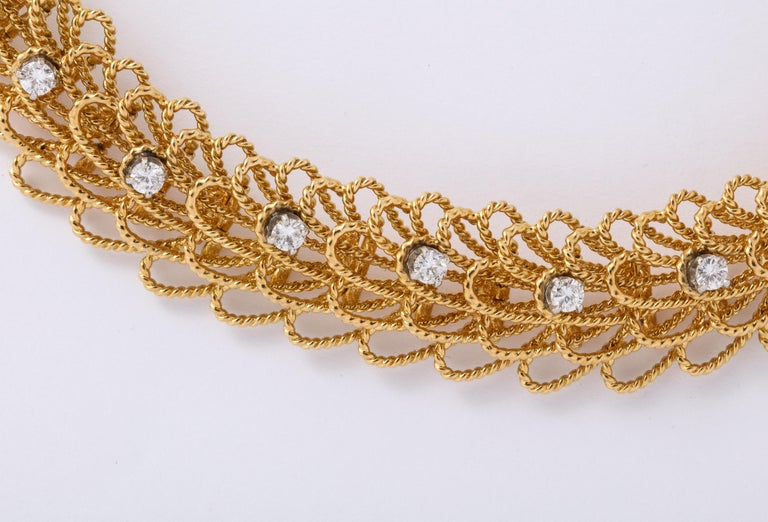 Women's or Men's 1970s Retro Twisted Wire 18 Karat Gold Diamond Cuff Necklace and Earring Set For Sale