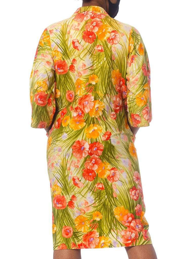 1970S SAKS FIFTH AVENUE Orange & Green Floral Cotton Sateen House Coat Dress Wi In Excellent Condition For Sale In New York, NY