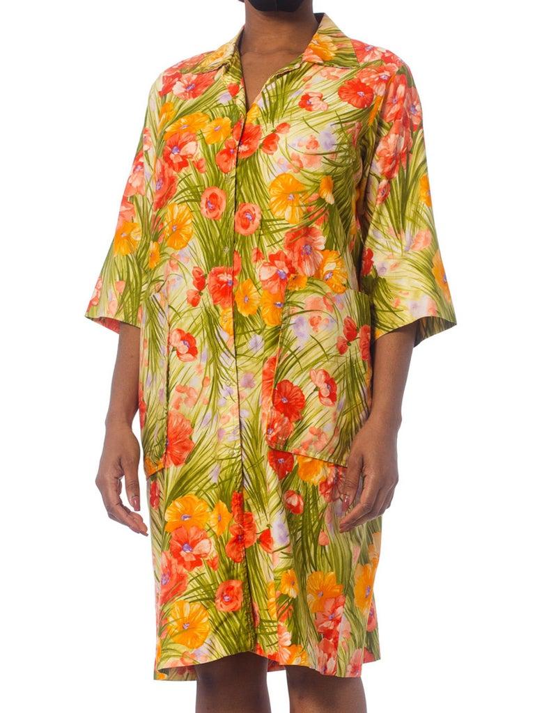 1970S SAKS FIFTH AVENUE Orange & Green Floral Cotton Sateen House Coat Dress Wi For Sale 1
