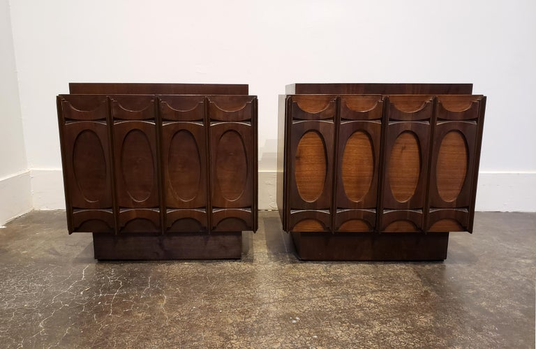 1970s Sculpted Brutalist Walnut Nightstands, Brasilia Style In Good Condition For Sale In Dallas, TX