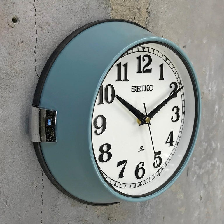 Seiko super tanker slave clock original aqua marine green finish  A reclaimed and restored maritime slave clock.  These clocks were used in great numbers on super tankers, cargo ships and military vessels built during the 1970s and housed a movement