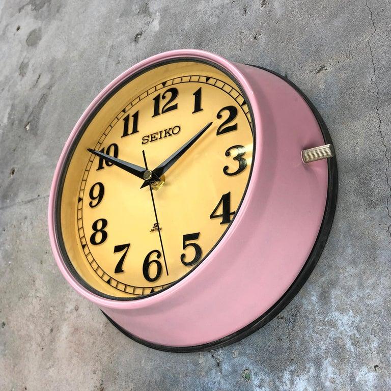 1970s Seiko Retro Vintage Industrial Antique Steel Quartz Wall Clock, Pink For Sale 3