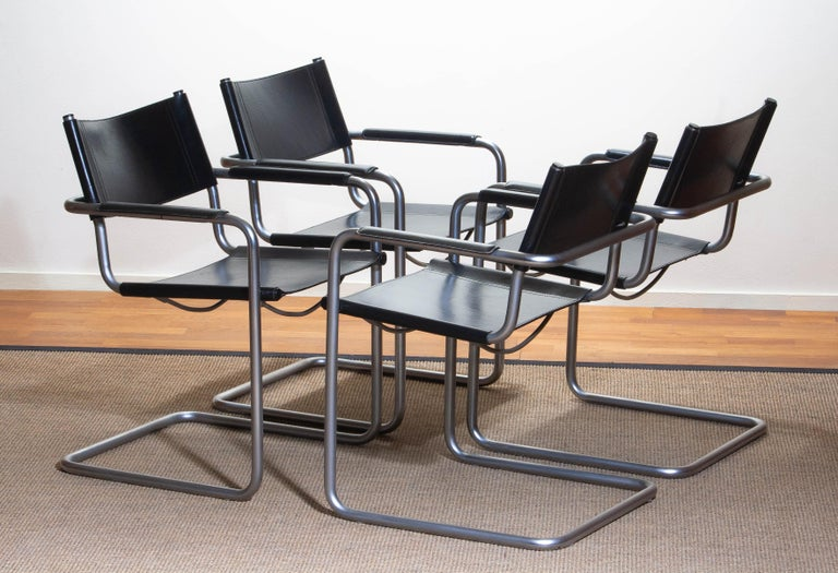 1970s, Set of Four Mg5 Black Leather Dining or Office Chairs by Matteo Grassi In Good Condition In Silvolde, Gelderland