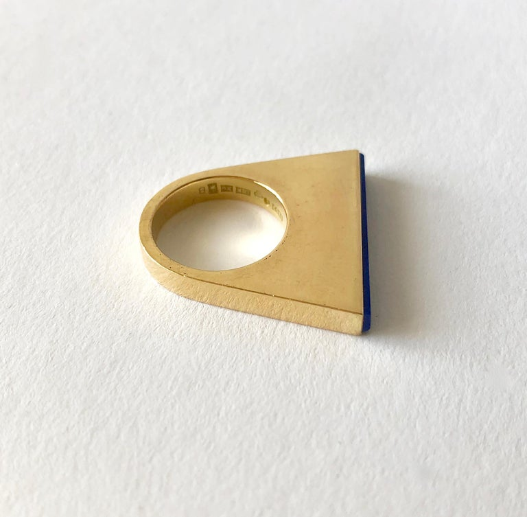 1970s Sigurd Persson 18 Karat Gold Lapis Lazuli Swedish Modernist Ring In Good Condition For Sale In Los Angeles, CA