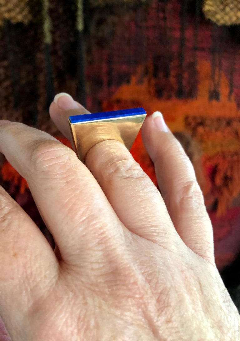 1970s Sigurd Persson 18 Karat Gold Lapis Lazuli Swedish Modernist Ring For Sale 2
