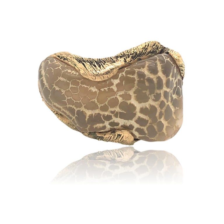 Modernist 1970s Snakeskin Agate and Gold Ring For Sale
