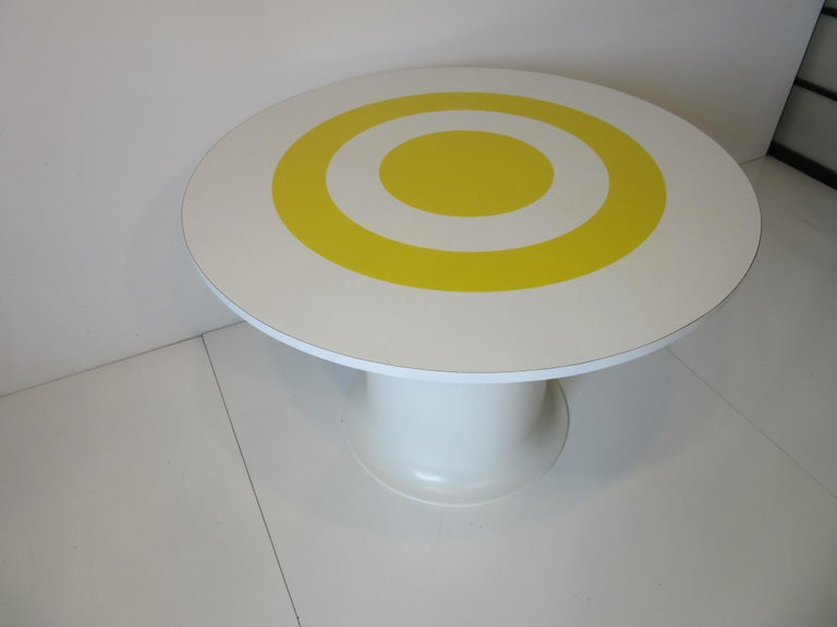 1970s Space Age Dining Table in the Style of Verner Panton In Good Condition For Sale In Cincinnati, OH