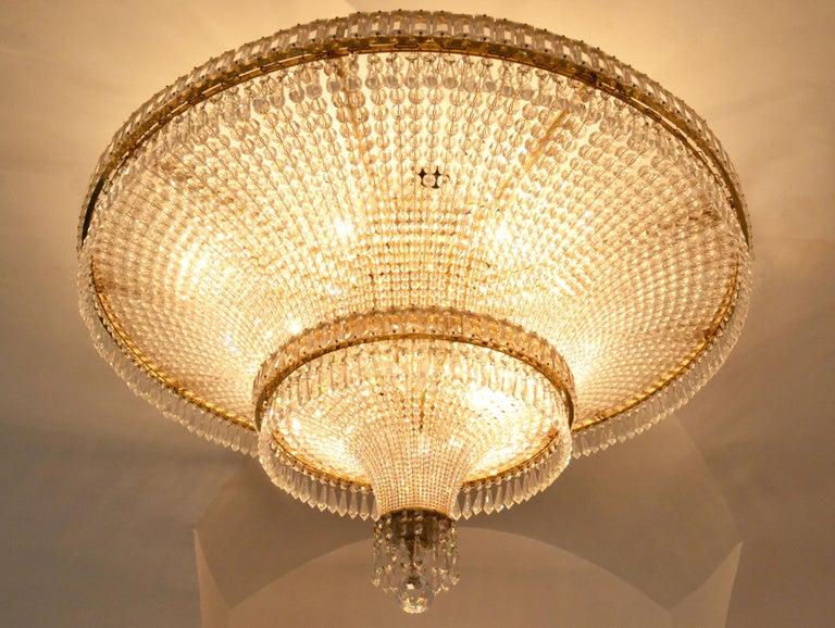 Late 20th Century 1970s Spanish Design Round Swarovski Crystal Chandelier For Sale