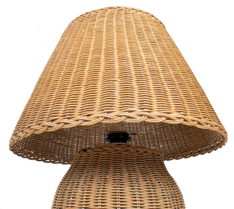1970s Spanish Handmade Woven Wicker Lamp with Shade For Sale 1