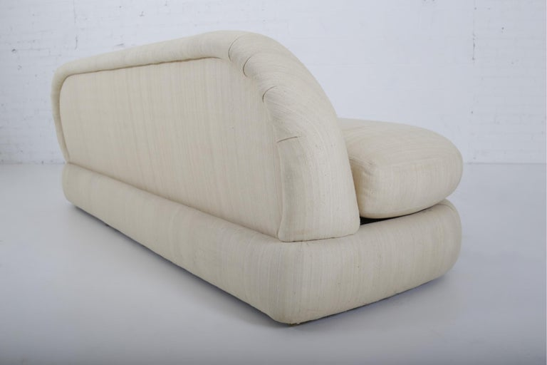 1970s Stacked Pouf Slipper Sofa In Good Condition For Sale In Chicago, IL