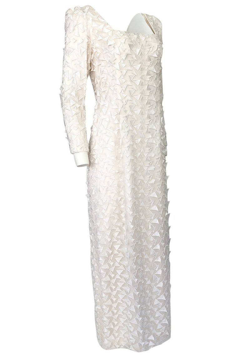 1970s Stavropoulos White Applique & Ivory Net Full Length Sheath Dress In Excellent Condition For Sale In Rockwood, ON