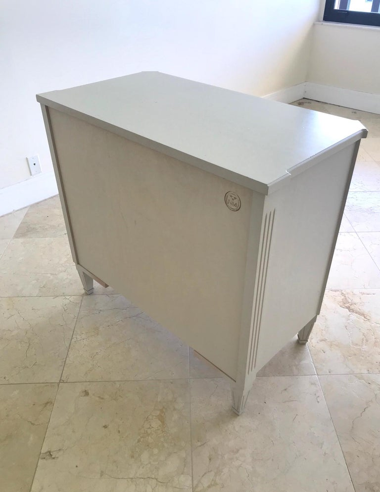 1970's Swedish Chest of Drawers in Hand Painted Ivory Wood For Sale 8