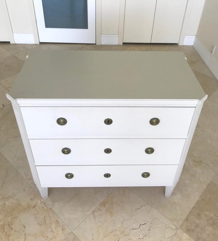 1970's Swedish Chest of Drawers in Hand Painted Ivory Wood For Sale 2