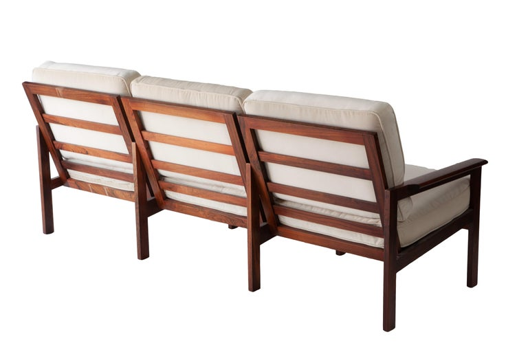 1970s Swedish Rosewood Sofa in the Style of Finn Juhl In Excellent Condition For Sale In New York, NY
