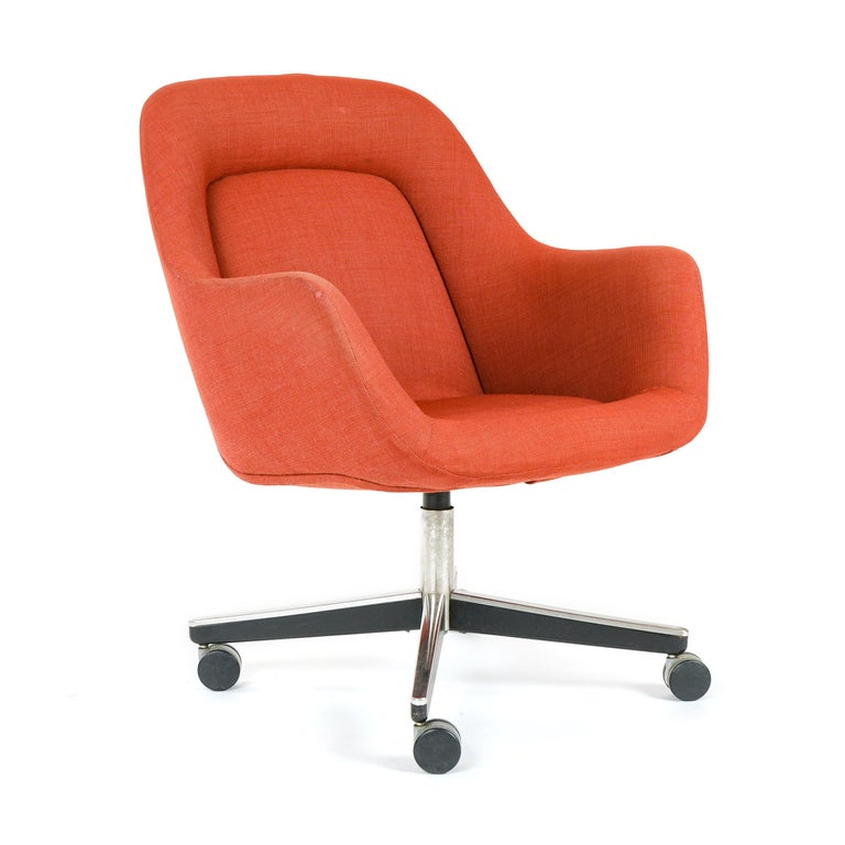 Mid-Century Modern 1970s Swivel Desk Chair by Max Pearson for Knoll For Sale