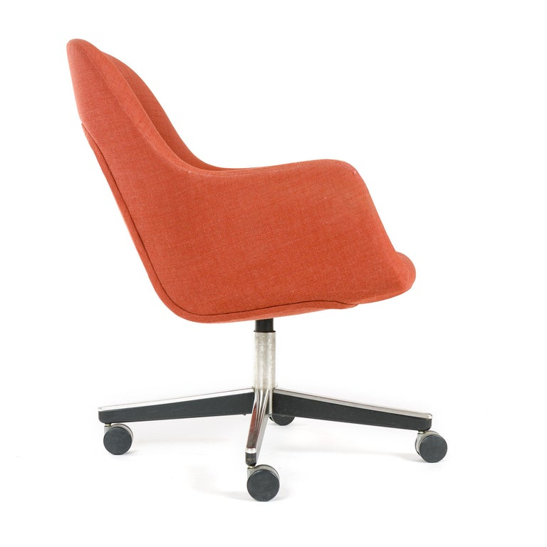 1970s Swivel Desk Chair by Max Pearson for Knoll In Good Condition For Sale In Sagaponack, NY