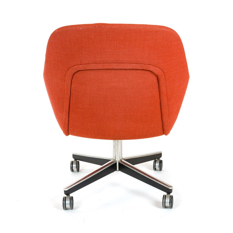 Late 20th Century 1970s Swivel Desk Chair by Max Pearson for Knoll For Sale