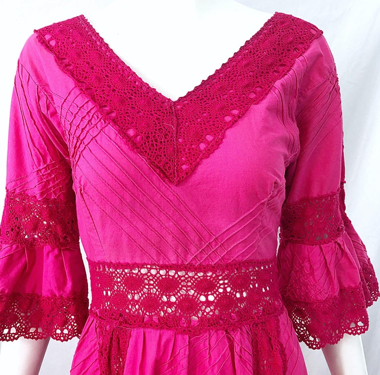 1970s Tachi Castillo Hot Pink Mexican Crochet Vintage Cotton 70s Maxi Dress In Excellent Condition For Sale In Chicago, IL