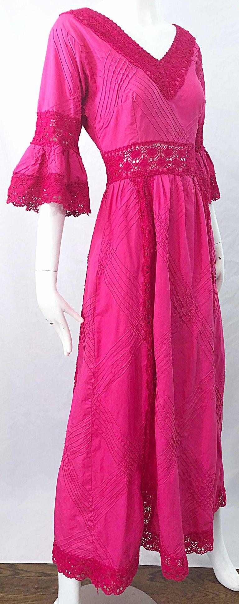 1970s Tachi Castillo Hot Pink Mexican Crochet Vintage Cotton 70s Maxi Dress For Sale 2