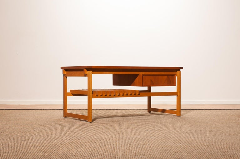 1970s Teak Coffee or Side Table with Drawer Made in Denmark In Good Condition In Silvolde, Gelderland