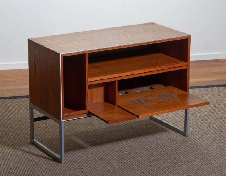 Excellent 1970s audio cabinet designed by Jacob Jensen for Bang & Olufsen in teak.