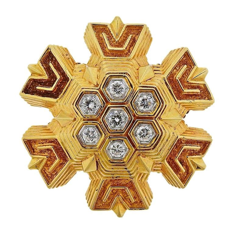 1970s Tiffany & Co. Diamond Gold Honeycomb Brooch Pendant For Sale
