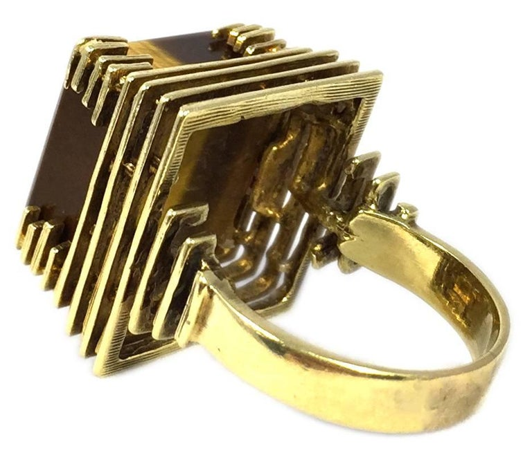1970s Tiger Eye Gold Ring In Excellent Condition For Sale In New York, NY