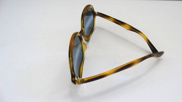 1970s Tortoise Oversized Mod Sunglasses In Excellent Condition For Sale In Scottsdale, AZ