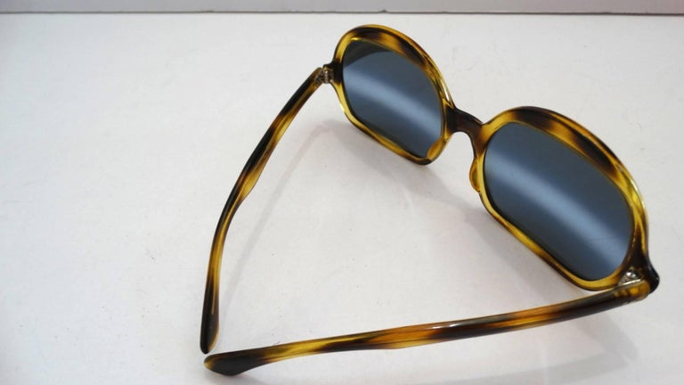 1970s Tortoise Oversized Mod Sunglasses For Sale 1