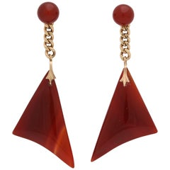 1970s Triangular Carnelian with Chain Link Flexible Gold Earrings with Posts