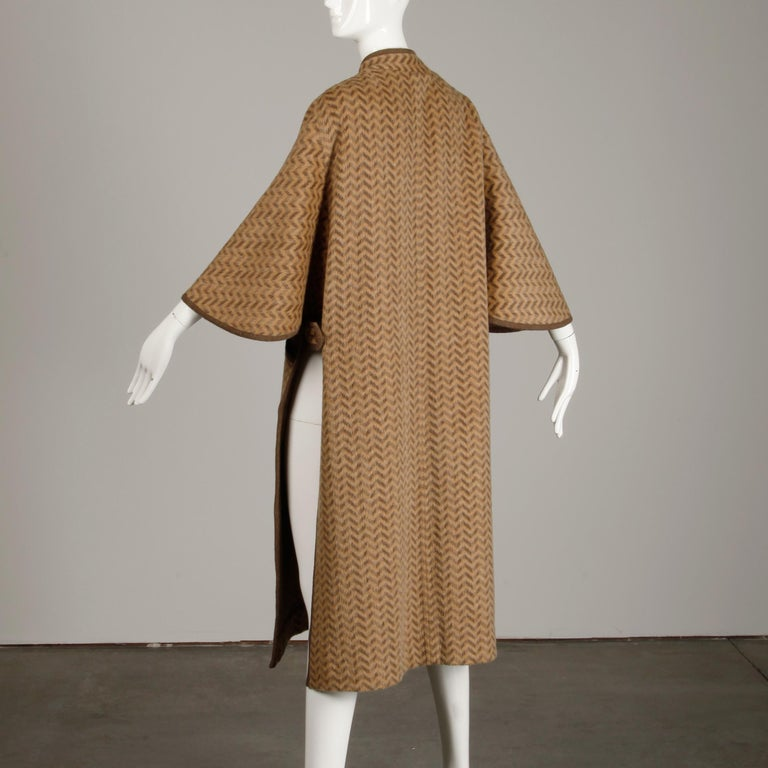 1970s Tricosa France Vintage Wool/ Mohair Striped Chevron Blanket Cape Coat For Sale 5