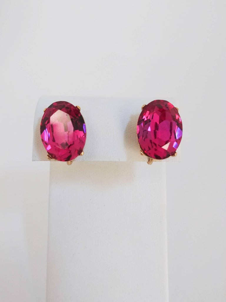 1970s Trierai Magenta and Gold Pendant and Earring Set For Sale 3