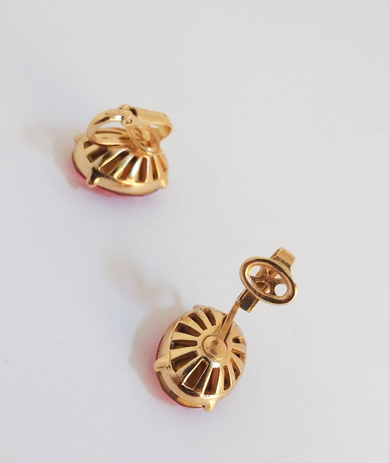 1970s Trierai Magenta and Gold Pendant and Earring Set For Sale 5