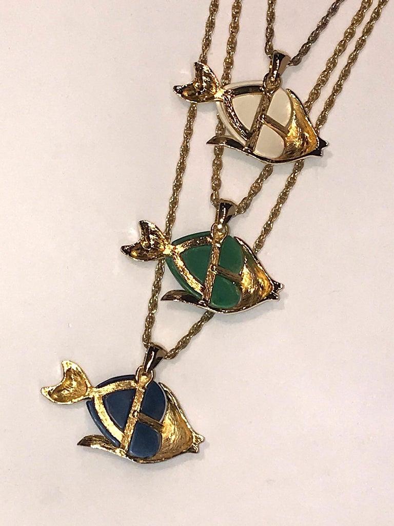 1970s Triple Fish Pendant Necklace 5