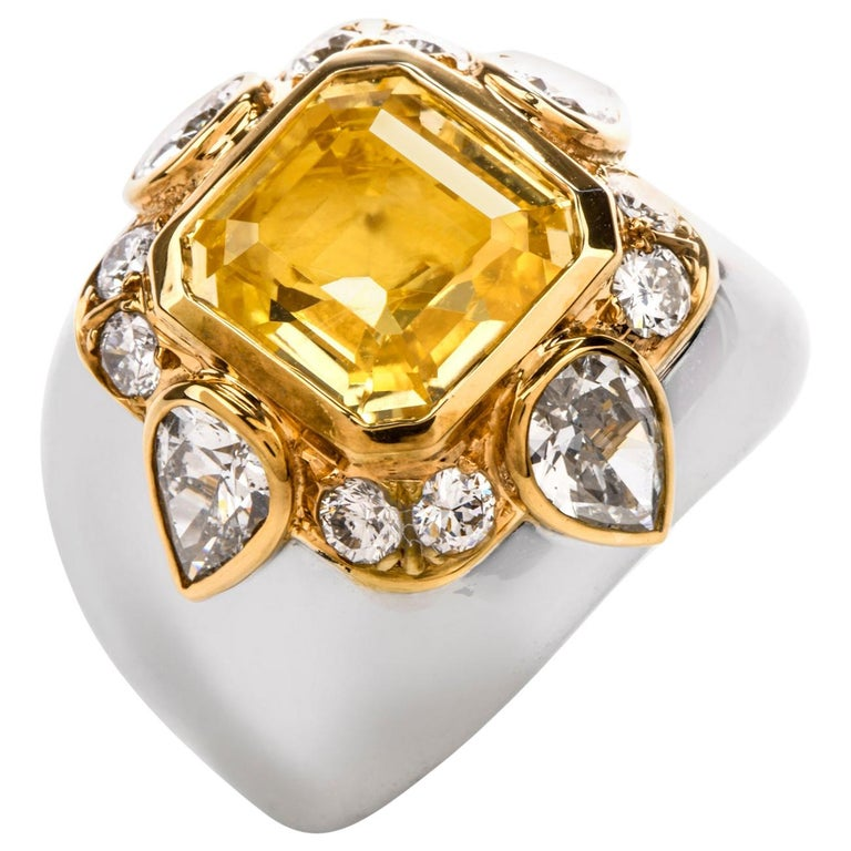 1970s Untreated Natural GIA Certified Ceylon Yellow Sapphire Diamond Gold Ring For Sale