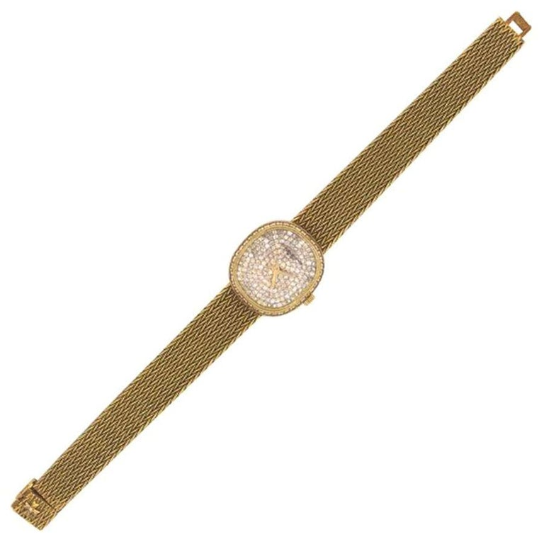 1970s Vacheron Constantin Ellipse Diamond Pave Set Dial Yellow Gold Wristwatch In Good Condition For Sale In New york, NY