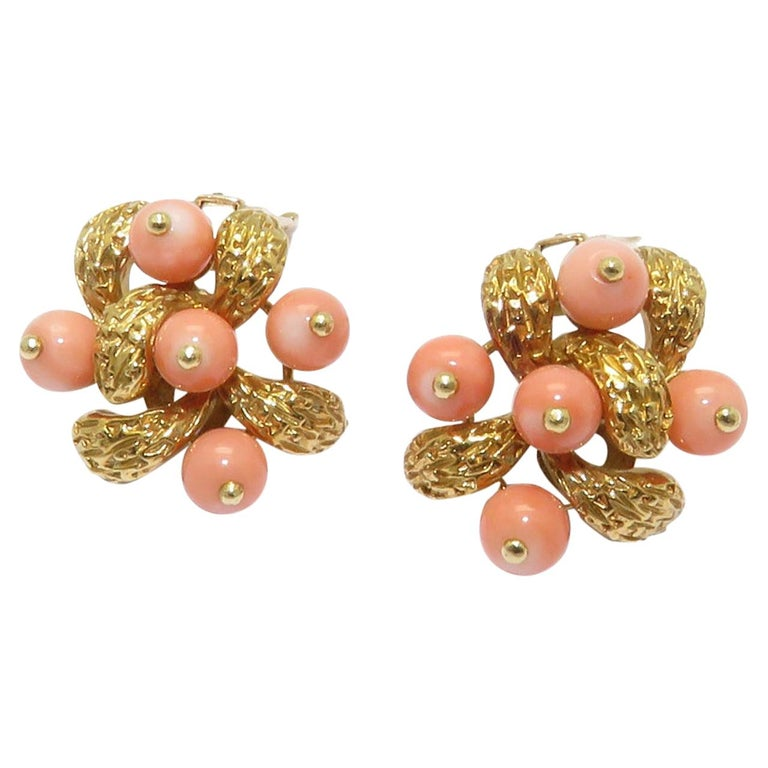 1970s Van Cleef & Arpels Coral Beads Gold Ear Clips For Sale