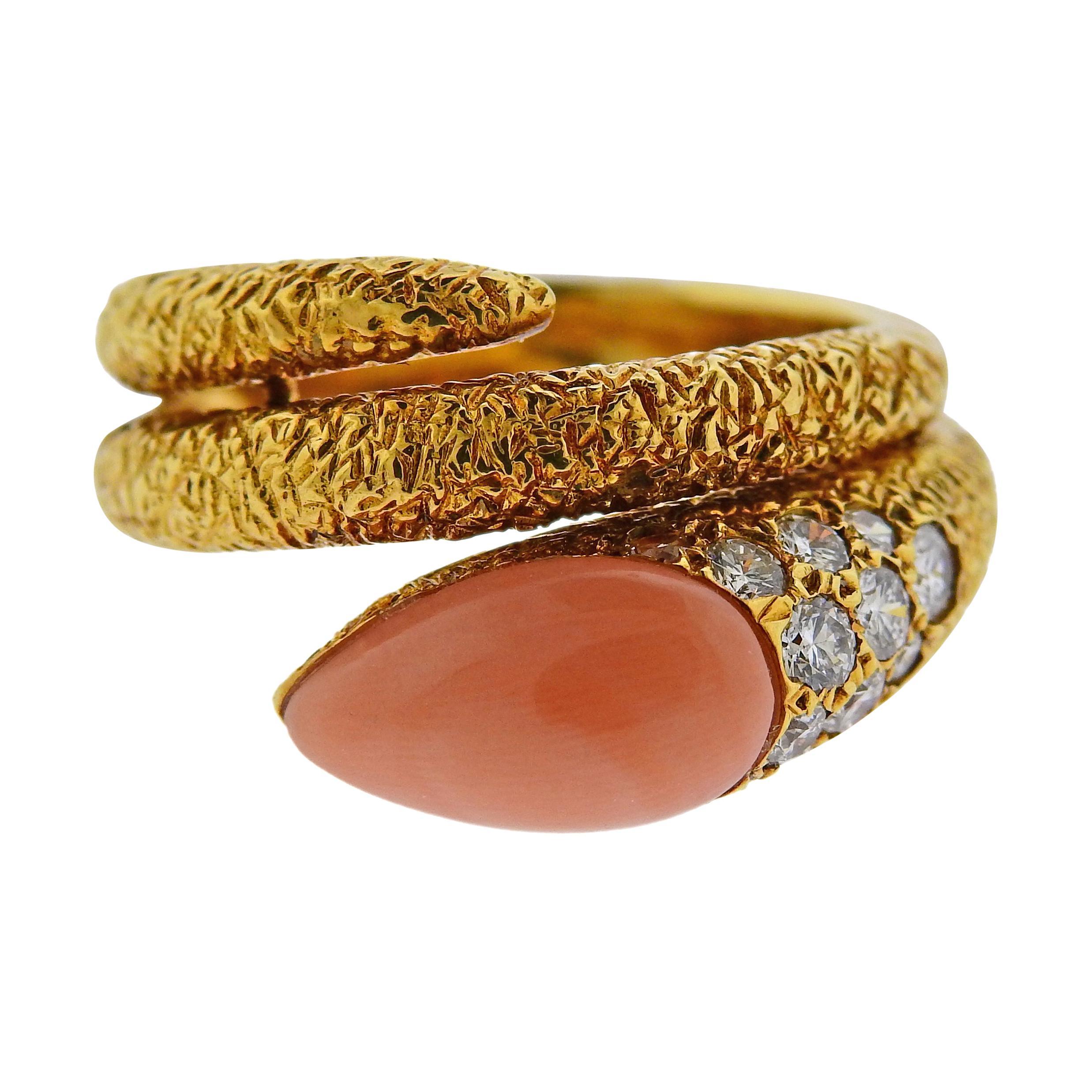 1970s Van Cleef & Arpels Coral Diamond Gold Ring