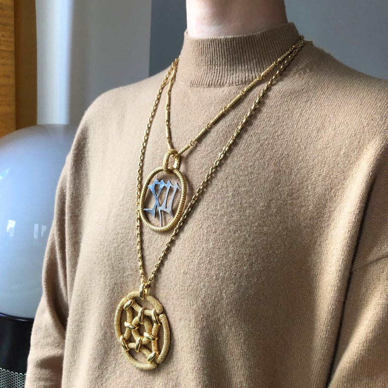 1970s Van Cleef & Arpels Gold Pendant In Excellent Condition In New York, NY