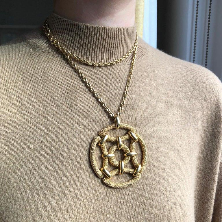Women's or Men's 1970s Van Cleef & Arpels Gold Pendant