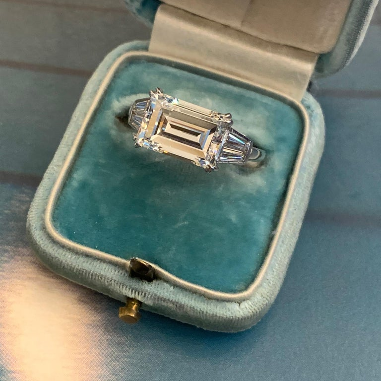 1970s Van Cleef & Arpels Paris Diamond Emerald-Cut Engagement Ring For Sale 6