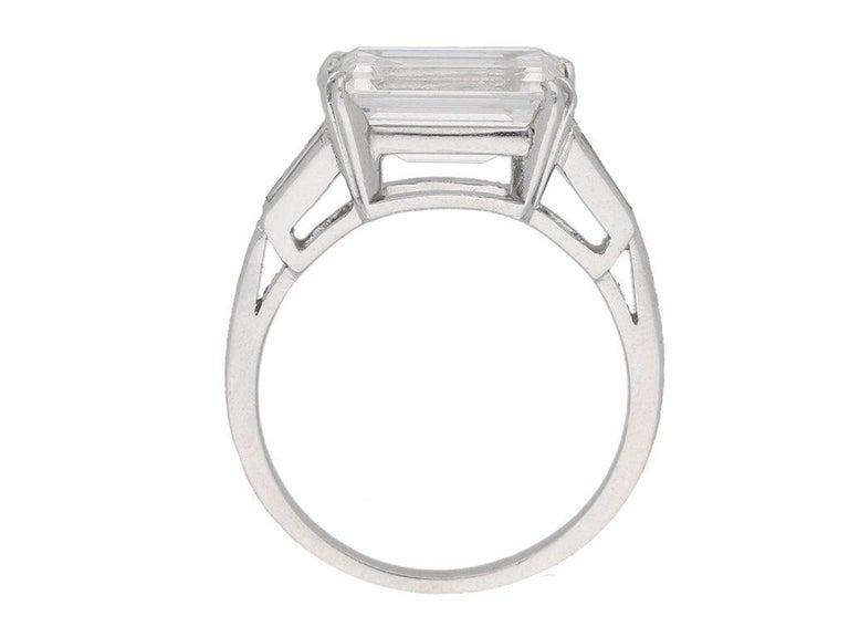 Women's or Men's 1970s Van Cleef & Arpels Paris Diamond Emerald-Cut Engagement Ring For Sale