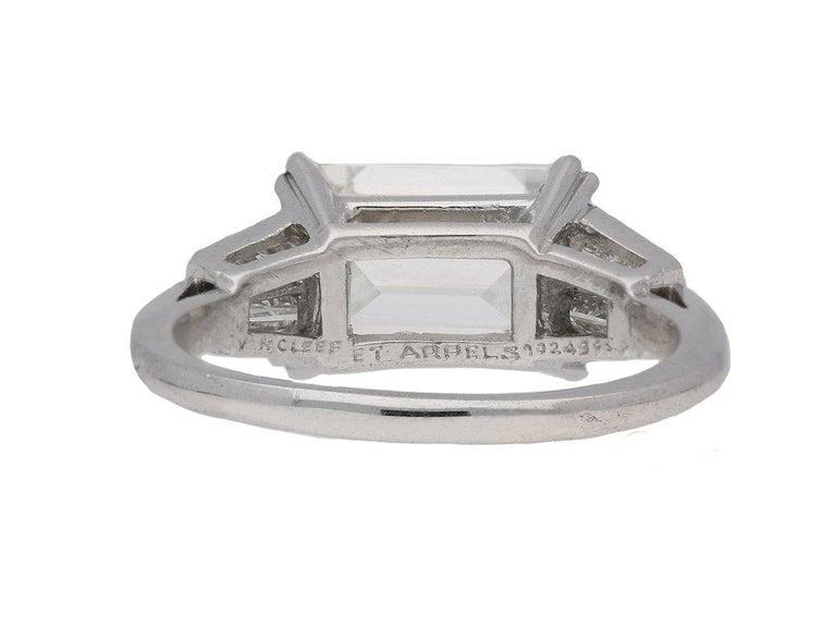 1970s Van Cleef & Arpels Paris Diamond Emerald-Cut Engagement Ring For Sale 5