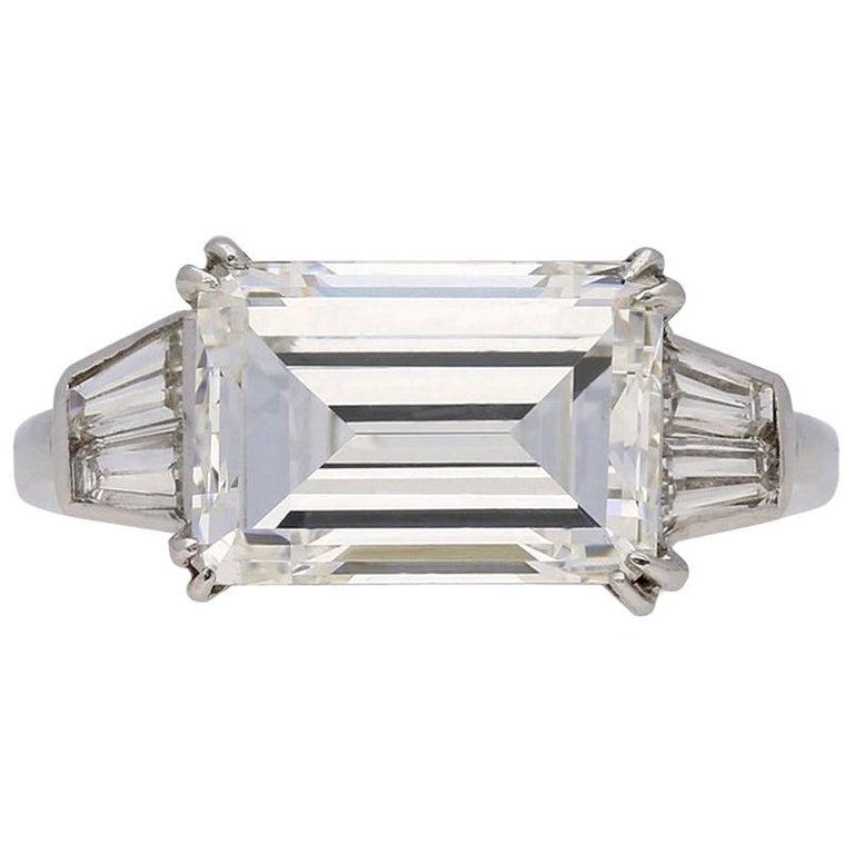 1970s Van Cleef & Arpels Paris Diamond Emerald-Cut Engagement Ring For Sale