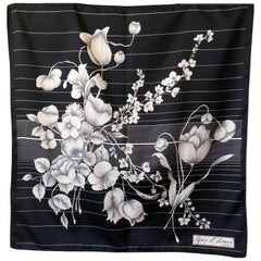 1970s Vintage Art Scarf, Chic Design in Black and White from Guy st. Honoré